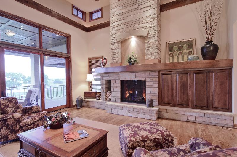 Pastor residence hagen colbert for David hueter home designs